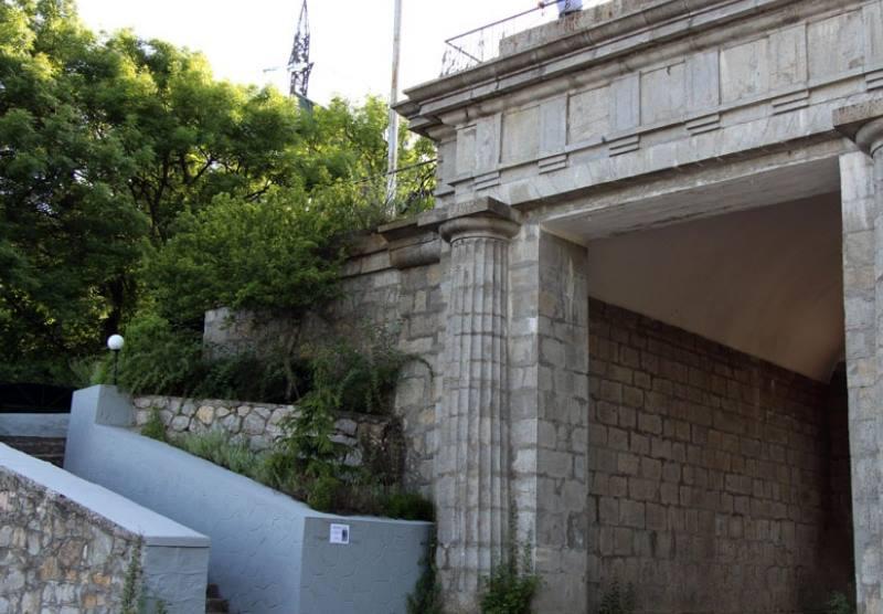 Байдарские ворота крупным планом