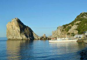 Живописная скала Дива – сказка природы на южном берегу Крыма