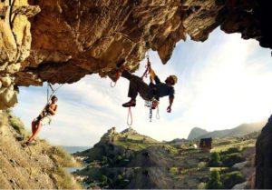 Альпинизм и скалолазание в Крыму подарит Вам массу новых впечатлений открывая новые места и маршруты