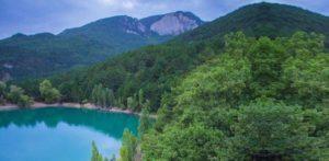Бирюзовое озеро – уединенный уголок Крыма