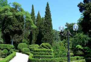 Историческая достопримечательность - гурзуфский парк