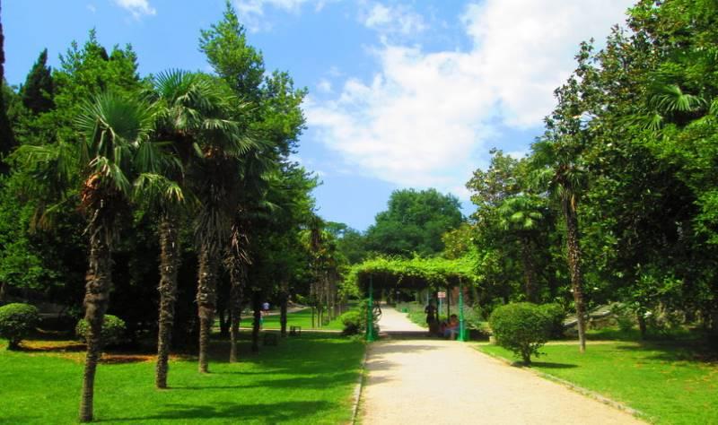 Мисхорский парк расположен в небольшом поселке Мисхор