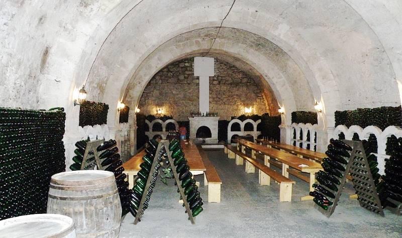 граф Лев стал основателем завода шампанских вин